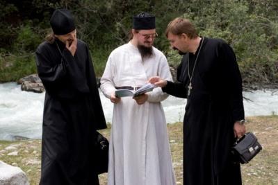 """""""За Апостолом Томом по Путу свиле"""" – мисионарско путовање оца Данила Сисојева и његове групе мисионара у Киргизију – I део"""