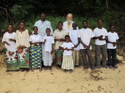 """""""Свако од нас дужан је да постане апостол"""" – архимандрит Теолог Хризантакопулос, мисионар из Конга"""