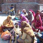 Часови кројења за православне девојке, Лахор, Пакистан