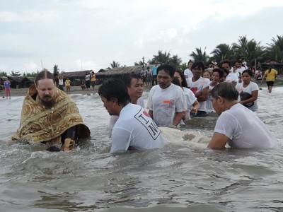 """Evo vode, šta me sprečava da se krstim?"" (Dela Ap. 8:36) – Veliki uspeh misije na Filipinima"